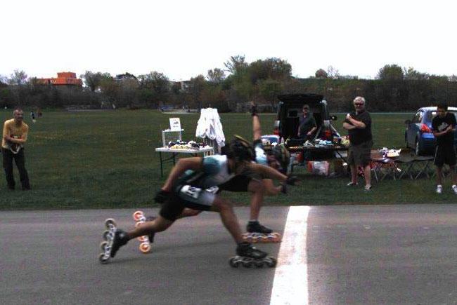 Photo à la ligne d'arrivé de Hugo et Miguel Lopez, compétition 12 mai 2012 de 21km